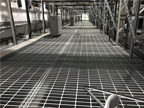 甲板钢格栅板的安装与制作